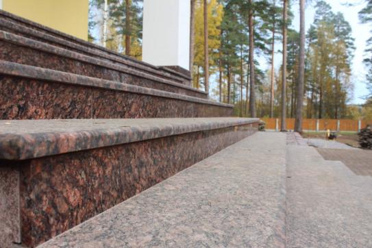 Гранитная плитка Ладожская в Комсомольск-на-Амурее
