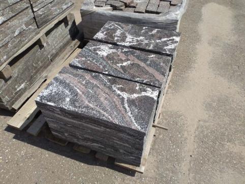 Плитка Гранатовый амфиболит в Челябинске