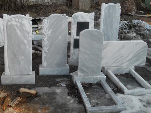 Мраморные памятники в Саратове